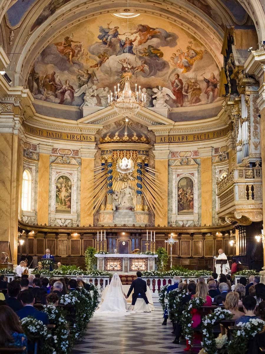 Organizzazione Matrimoni allestimento chiesa