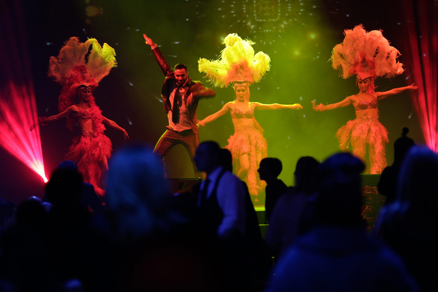ballerini ed artisti